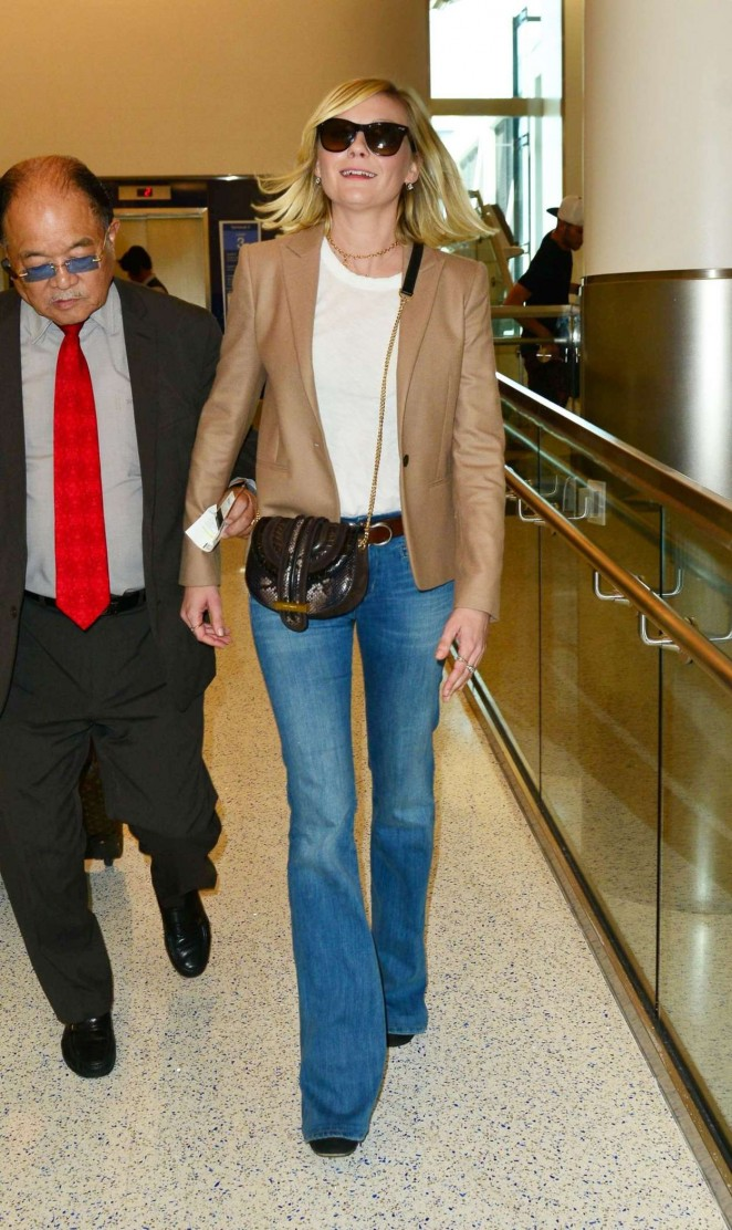 Kirsten Dunst in Jeans at LAX -09
