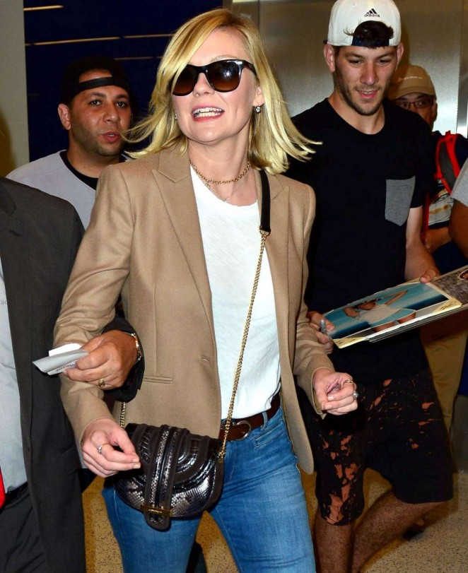 Kirsten Dunst in Jeans at LAX -10