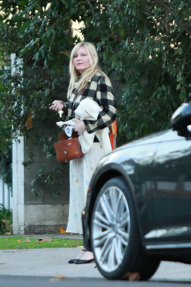 Kirsten Dunst on Christmas Day in Los Angeles