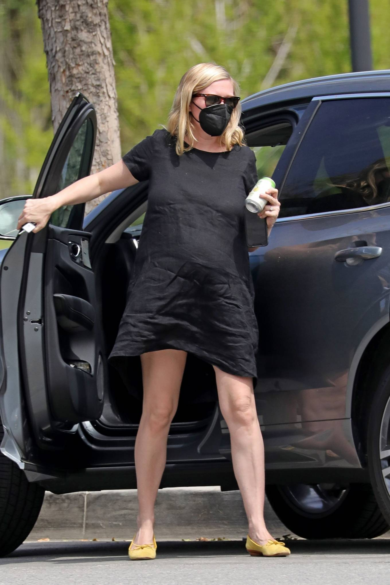 Kirsten Dunst 2021 : Kirsten Dunst – Out in Los Angeles-01