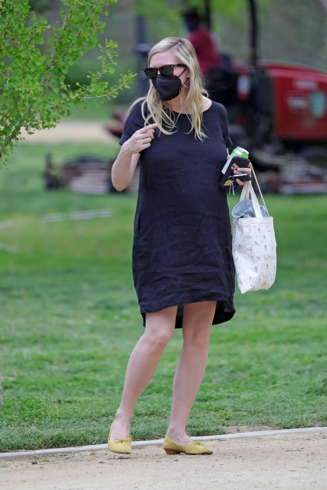 Kirsten Dunst 2021 : Kirsten Dunst – Out in Los Angeles-12