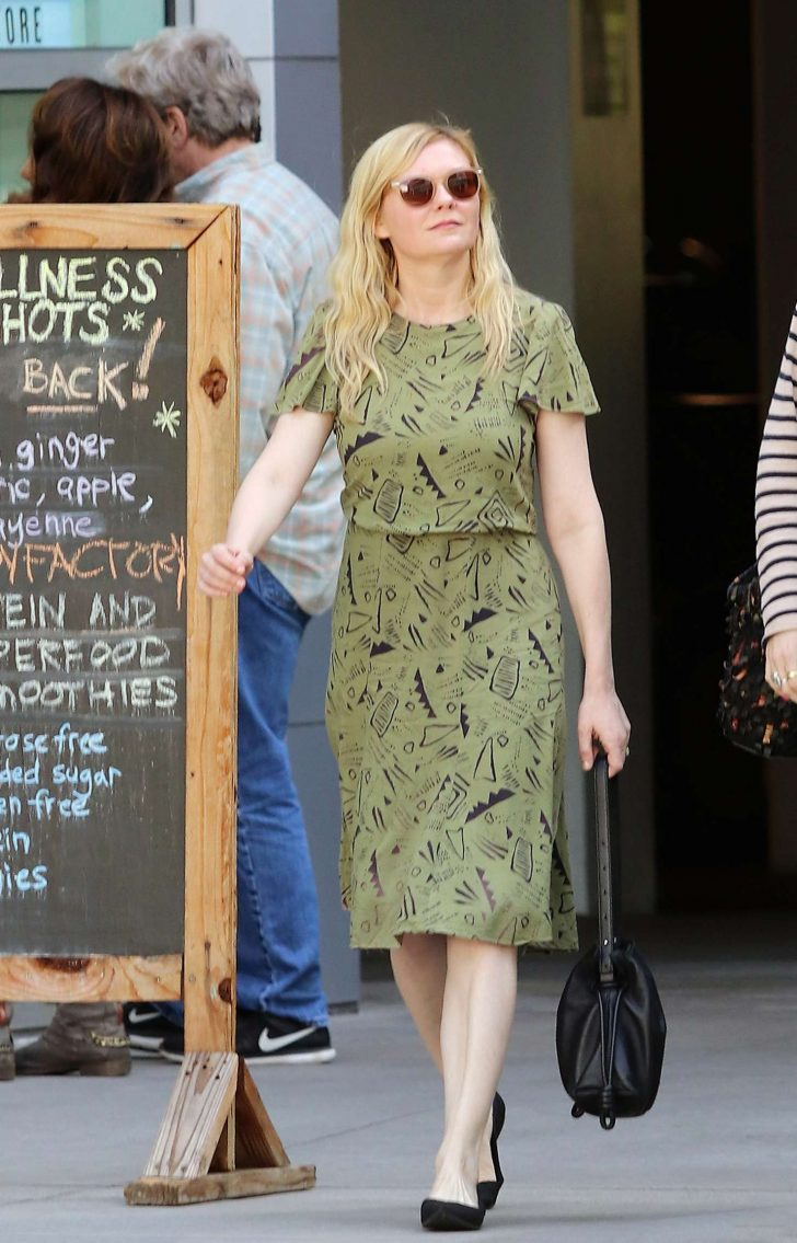 Kirsten Dunst: Out in Los Angeles -06