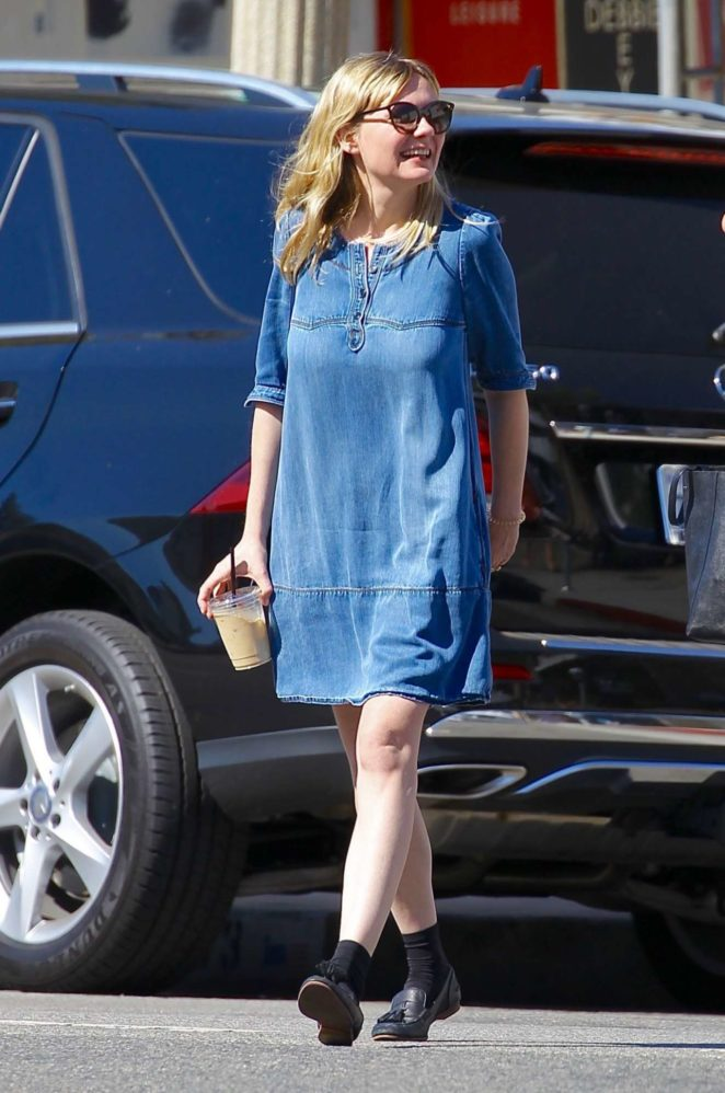Kirsten Dunst - Out in Studio City