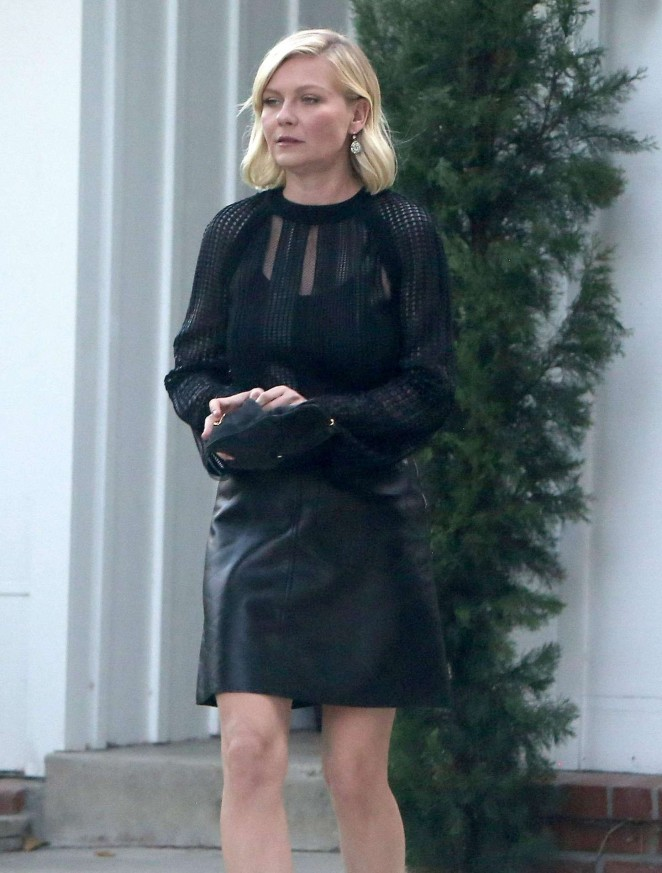 Kirsten Dunst In Leather Skirt 06 GotCeleb