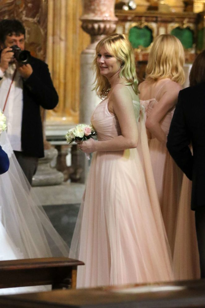 Kirsten Dunst – Seen at the wedding of her best friend in Rome – Italy