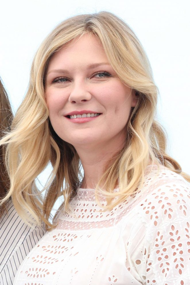Kirsten Dunst - 'The Beguiled' Photocall at 70th Cannes Film Festival