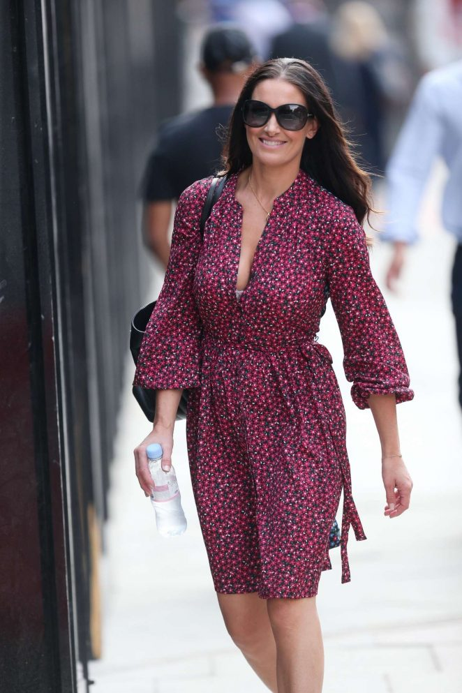 Kirsty Gallacher - Heads to lunch in Kings Cross