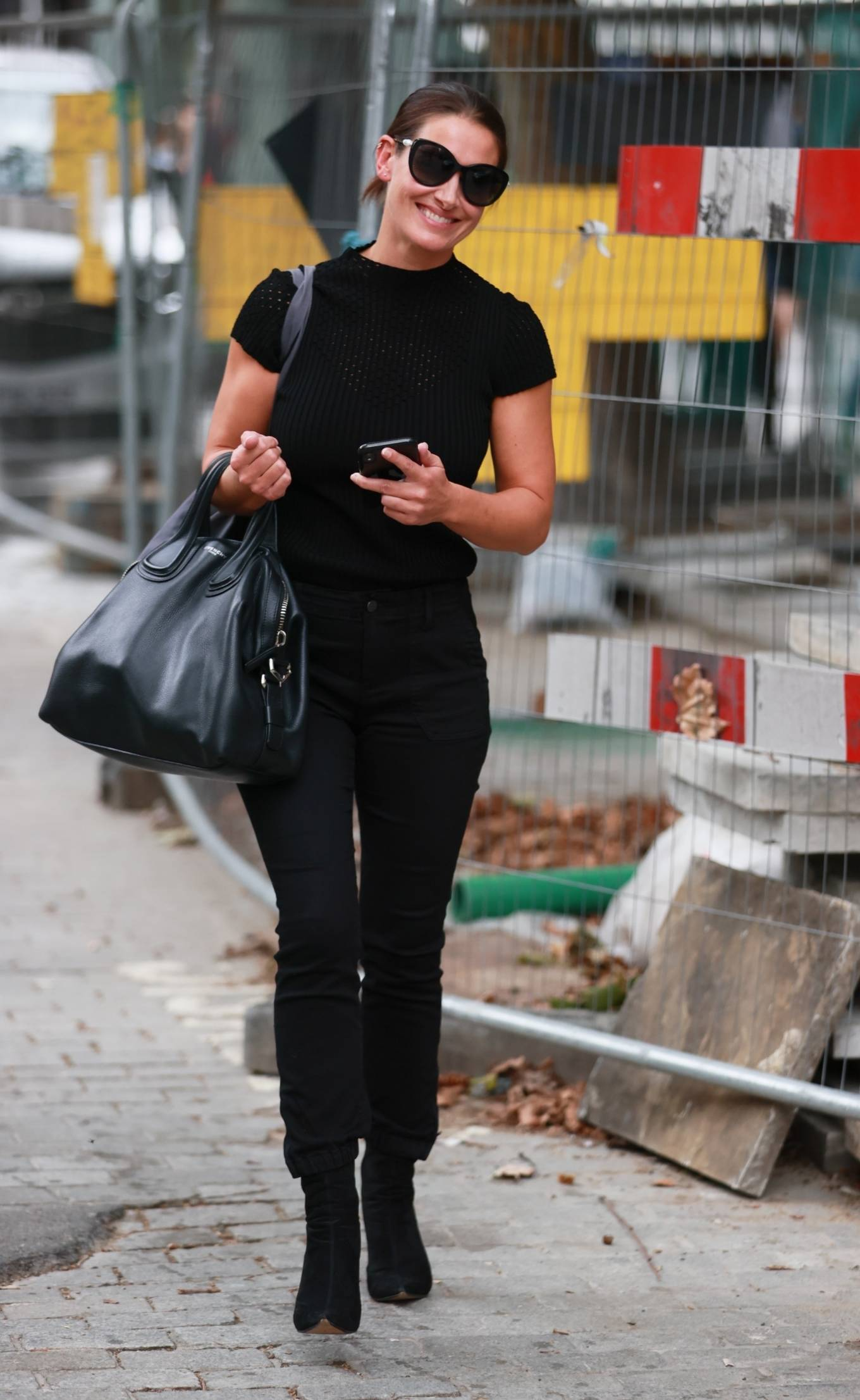 Kirsty Gallacher 2020 : Kirsty Gallacher in skin tight jeans and boots at Global Radio in London-04