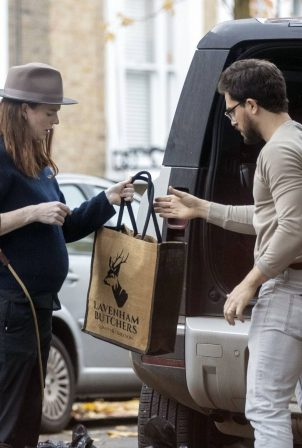 Kit Harrington and Rose Leslie - Seen loading luggage into their car in London