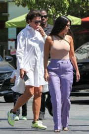 Kourtney Kardashian and Kris Jenner - Spotted while out in Calabasas