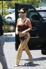 Kourtney Kardashian - Arrives at hot spot Cecconi's for lunch in Los Angeles