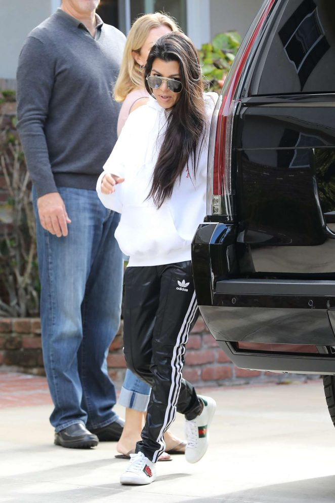Kourtney Kardashian: Arrives to a casual family party in Irvine -06