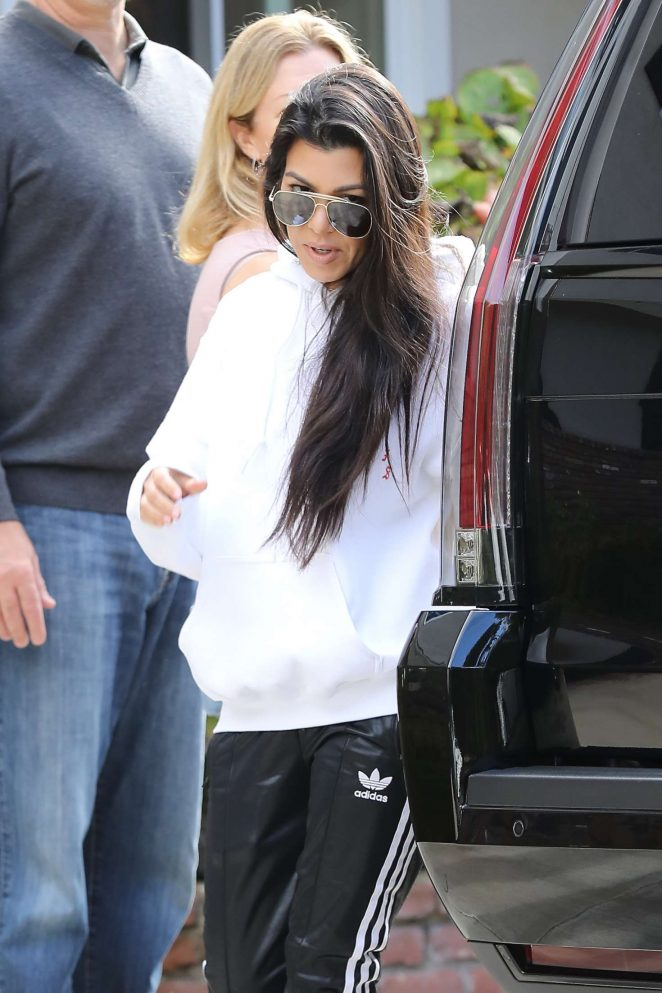 Kourtney Kardashian: Arrives to a casual family party in Irvine -10