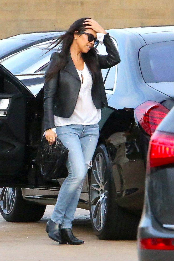 Kourtney Kardashian in Jeans at Nobu Restaurant in Malibu