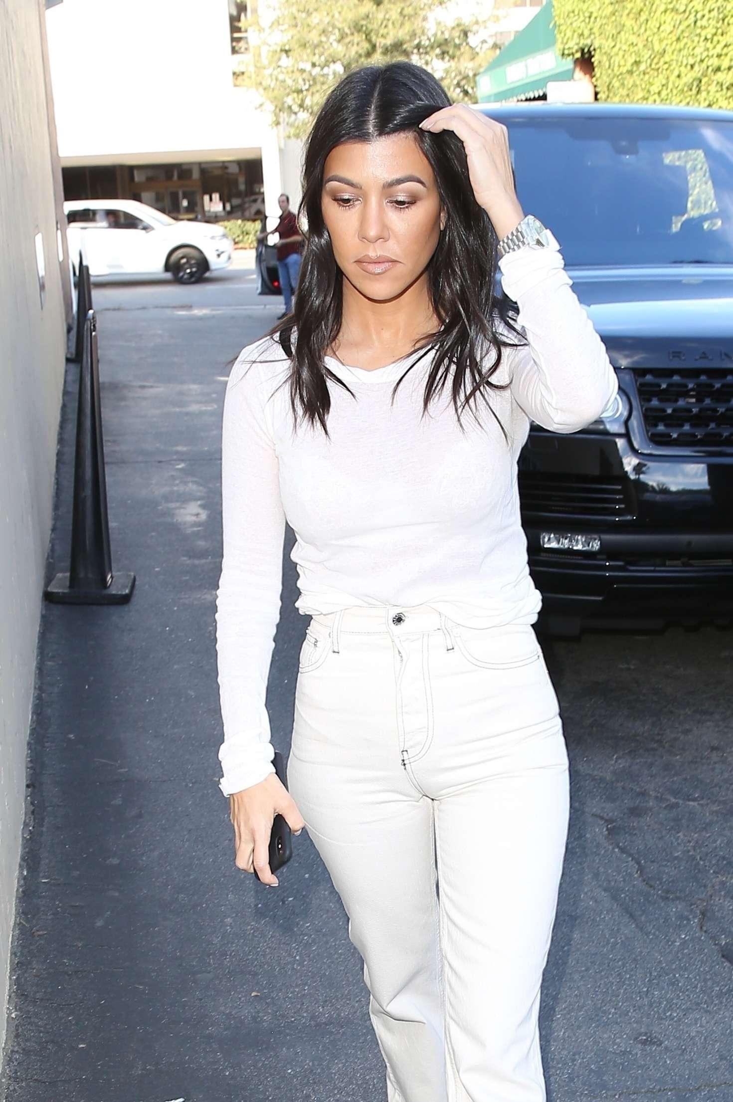 Kourtney Kardashian 2018 : Kourtney Kardashian in White -07