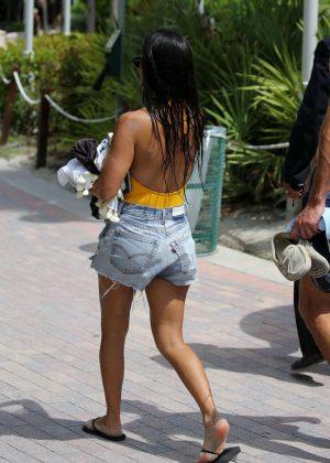 Kourtney Kardashian In Jeans Shorts Miami Beach Hottestleakedbabes 1