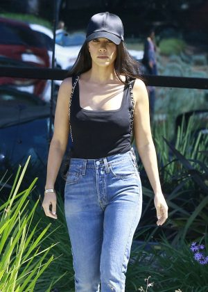 Kourtney Kardashian Leaving a studio in Calabasas