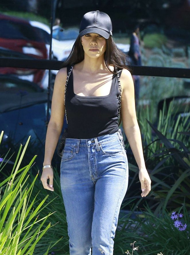 Kourtney Kardashian Leaving a studio in Calabasas