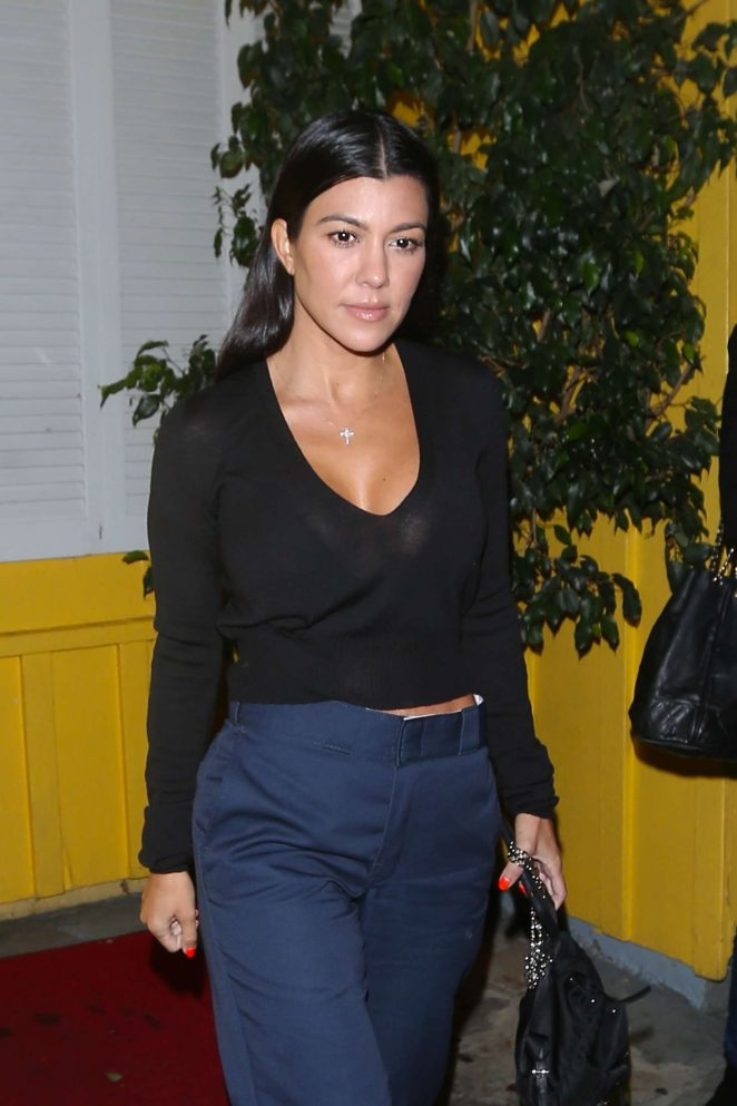 Kourtney Kardashian – Leaving Dan Tana Restaurant in West Hollywood