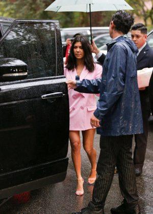 Kourtney Kardashian Leaving Khloe Kardashians Baby Shower In
