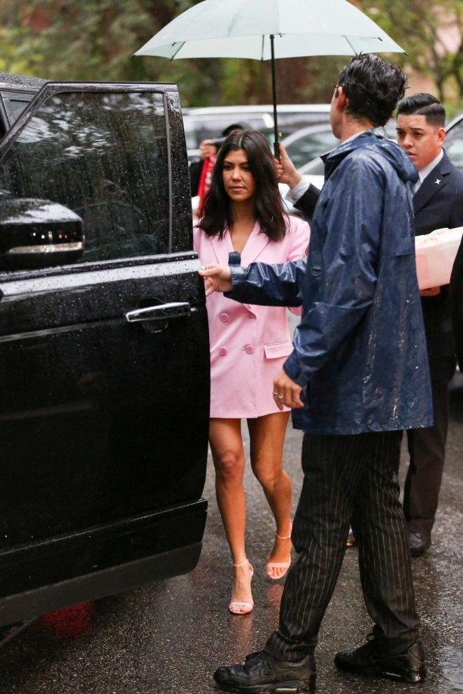 Kourtney Kardashian: Leaving Khloe Kardashians Baby Shower  08