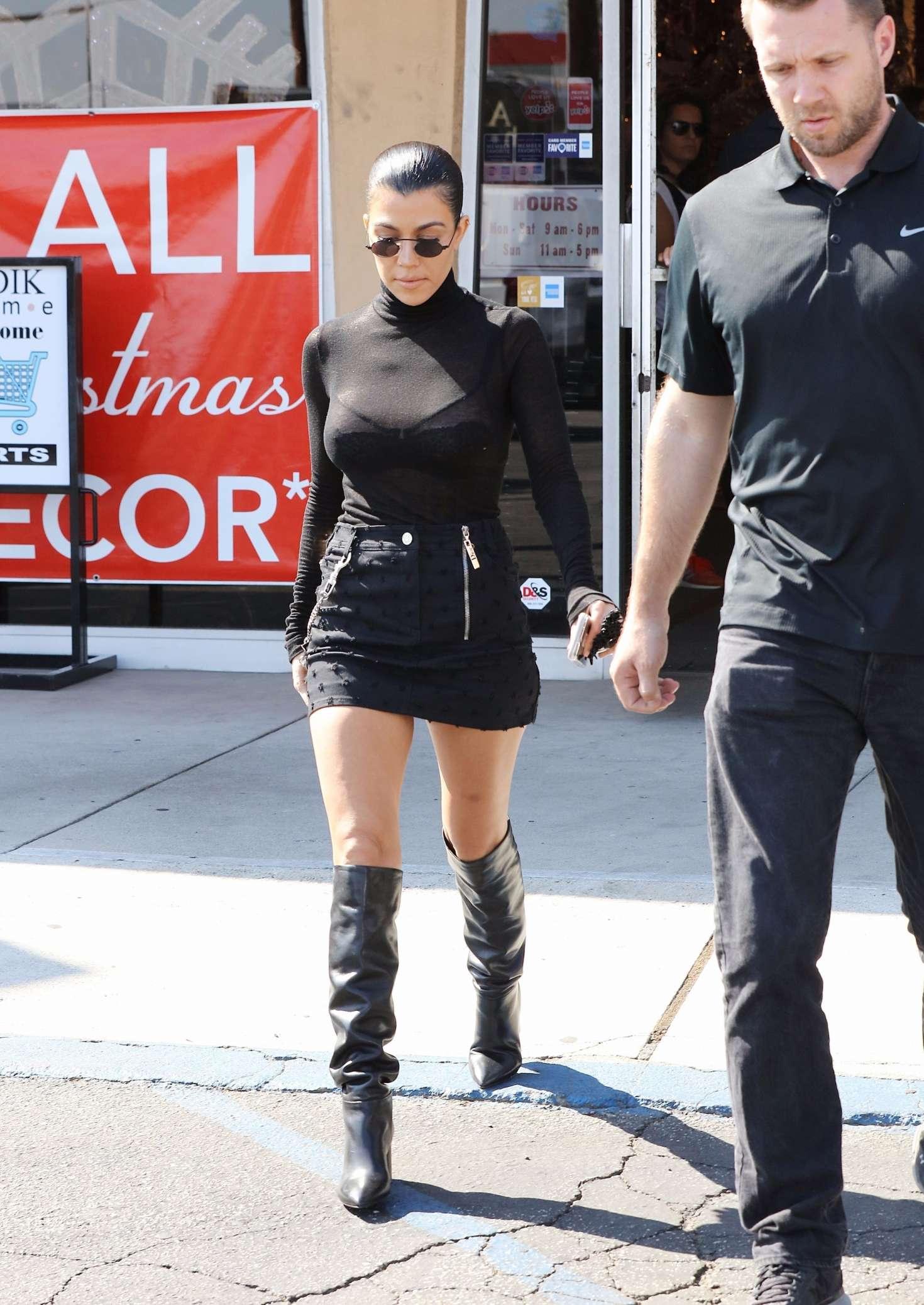 Kourtney kardashian ebay clothing store