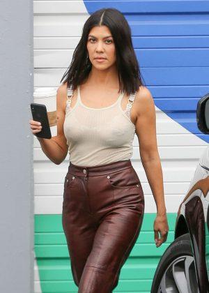 Kourtney Kardashian - Leaving the Kardashian family studio in Calabasas