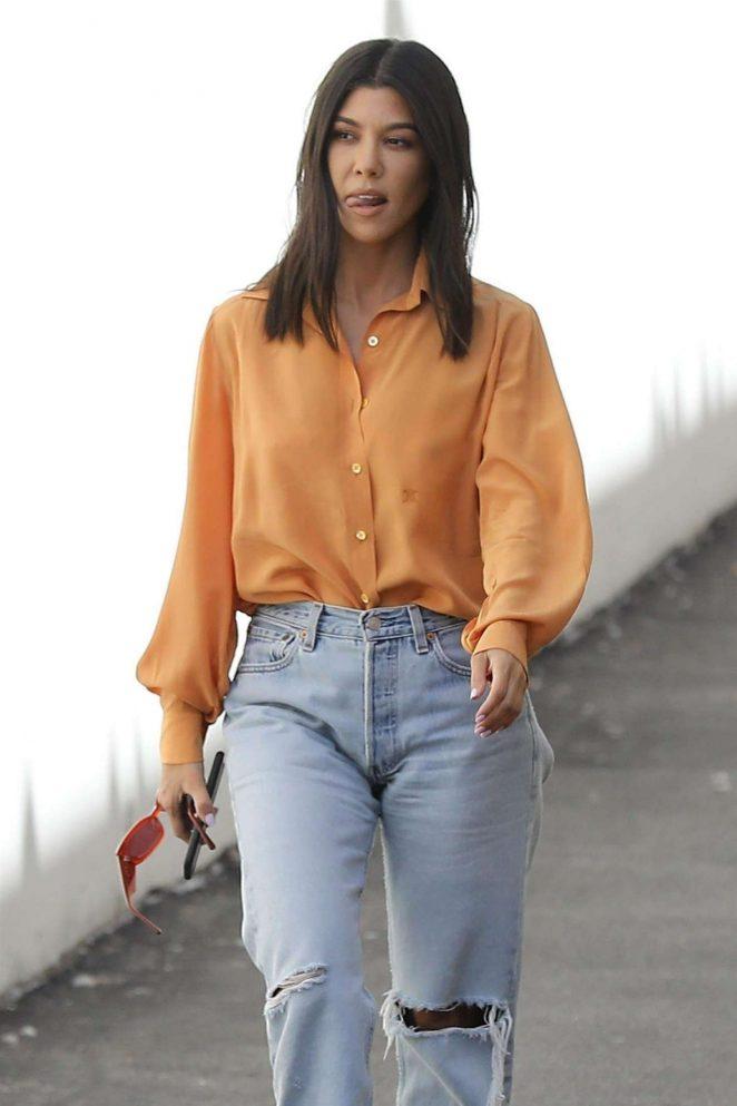 Kourtney Kardashian - Leaving the studio in Calabasas