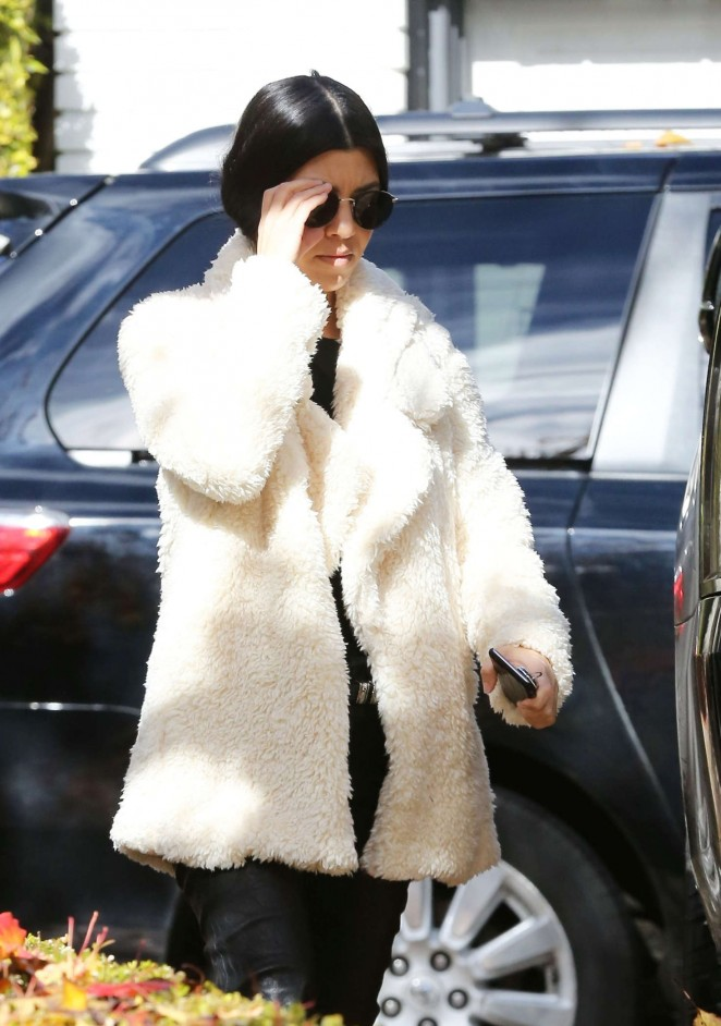 Kourtney Kardashian - Out and about in Beverly Hills