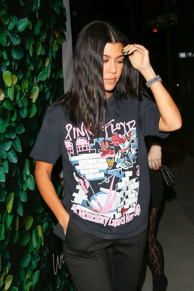 Kourtney Kardashian – Out for dinner with Larsa Pippen at Matsuhisa in Beverly Hills