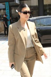 Kourtney Kardashian - Out for lunch at Cafe Gratitude in Los Angeles