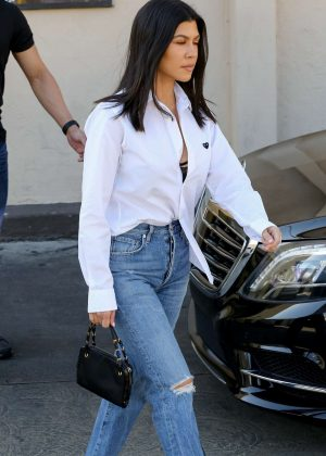 Kourtney Kardashian - Out for lunch at Carousel restaurant in Hollywood