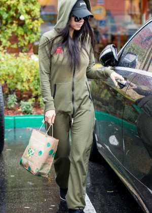 Kourtney Kardashian out for lunch in Calabasas