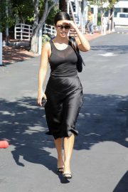 Kourtney Kardashian - Out for lunch in West Hollywood