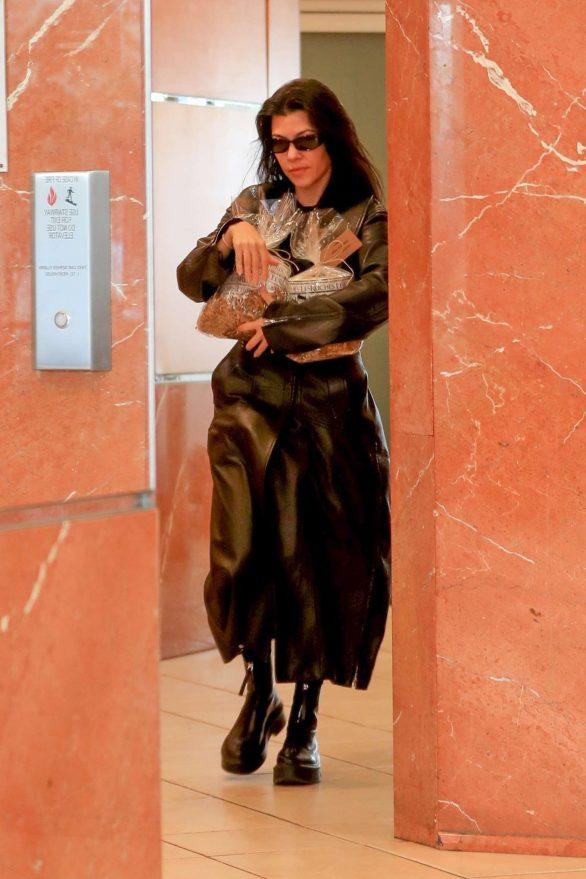 Kourtney Kardashian - Out running errands in Beverly Hills