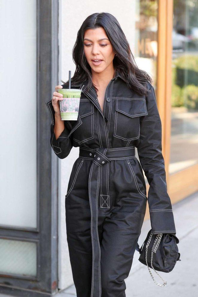 Kourtney Kardashian – Out shopping in Los Angeles