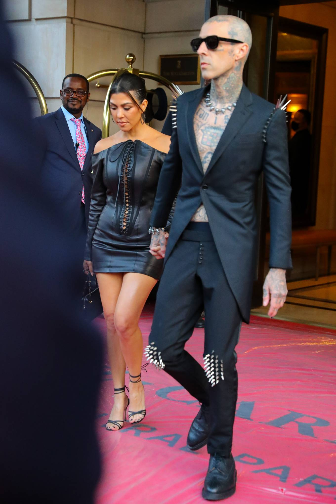 Kourtney Kardashian 2021 : Kourtney Kardashian – Seen heading to VMAs in New York-01