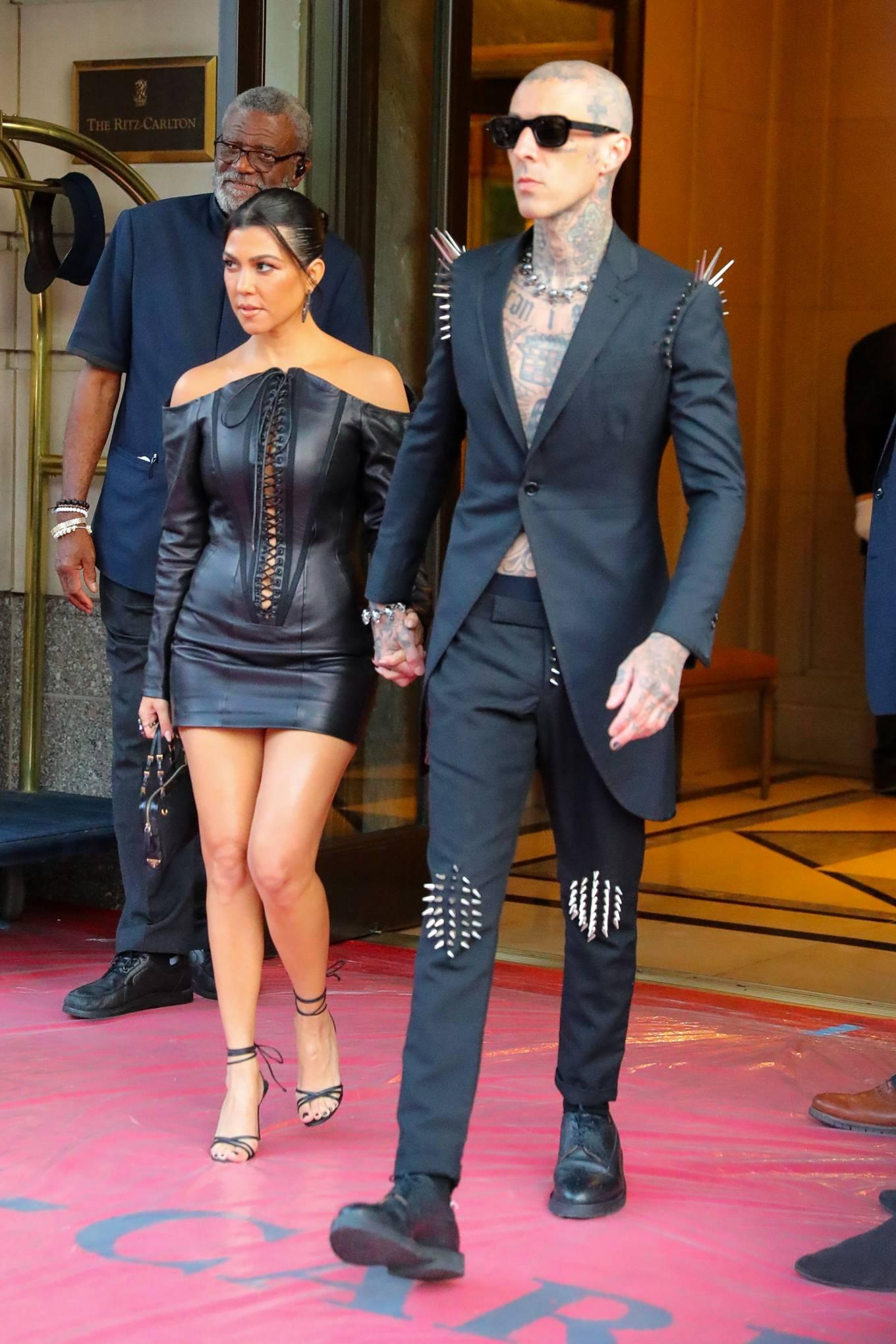 Kourtney Kardashian 2021 : Kourtney Kardashian – Seen heading to VMAs in New York-02