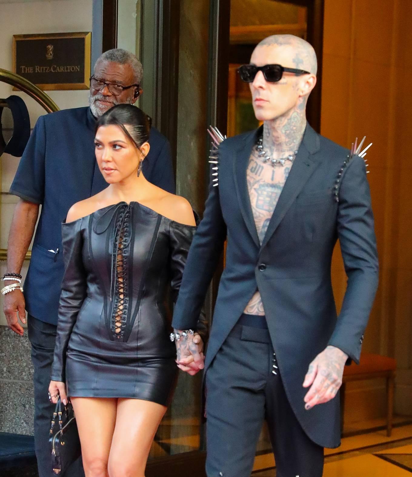 Kourtney Kardashian 2021 : Kourtney Kardashian – Seen heading to VMAs in New York-03