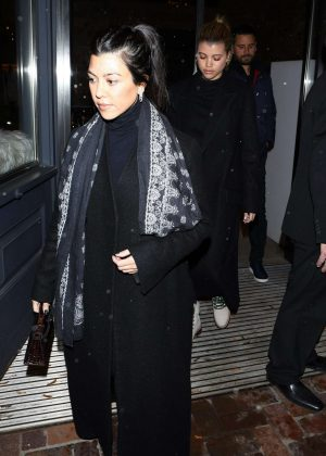 Kourtney Kardashian - Shopping in Aspen