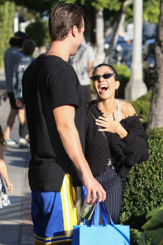 Kourtney Kardashian: Shopping in West Hollywood -03