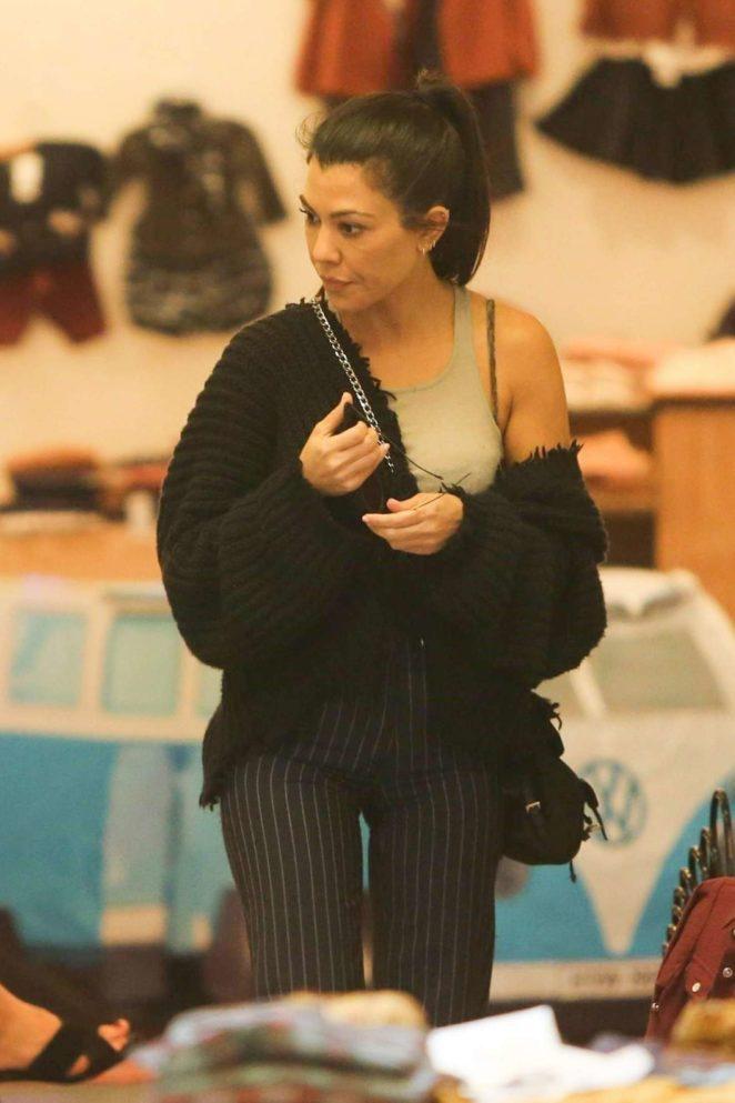Kourtney Kardashian: Shopping in West Hollywood -22