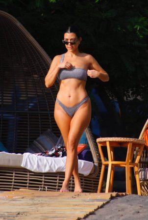 Kourtney Kardashian - Social media