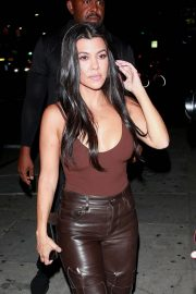 Kourtney Kardashian - spotted arriving at the Nice Guy in West Hollywood