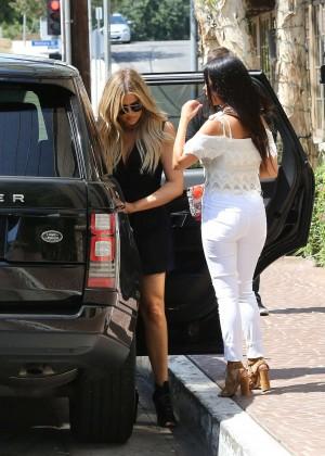 Kourtney & Khloe Kardashian - Out for lunch in LA