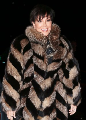 Kris Jenner - Arrives at Craig's in Los Angeles