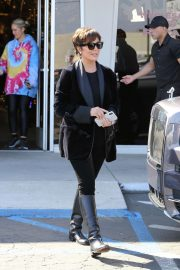 Kris Jenner - Christmas Shopping in Los Angeles