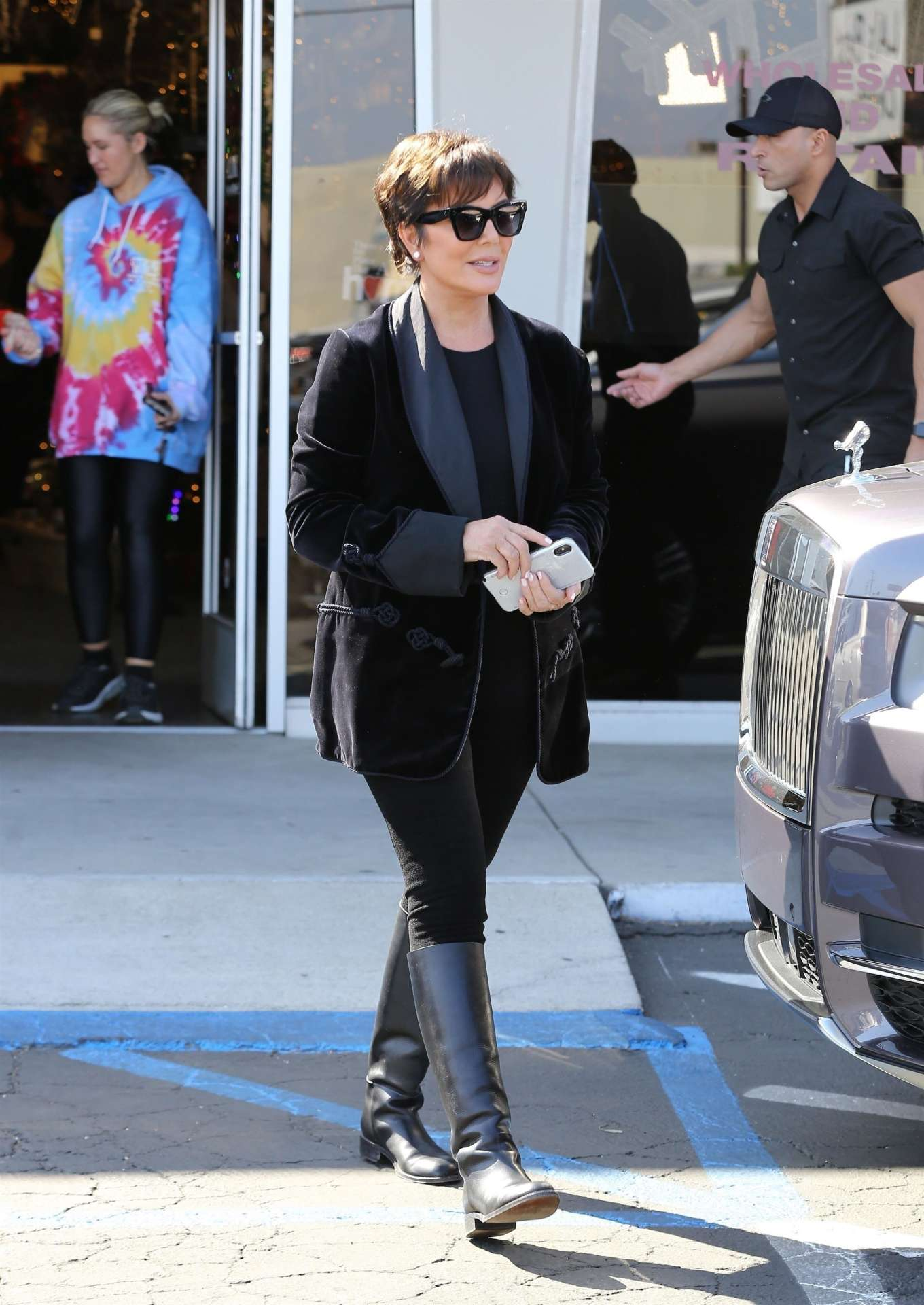 Kris Jenner - Christmas Shopping in Los Angeles
