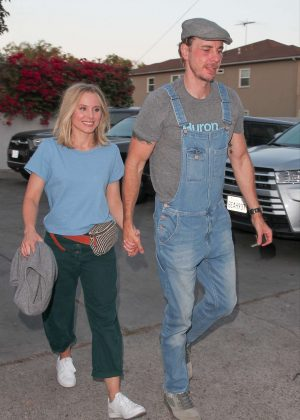 Kristen Bell and Dax Shepard - Arriving at Ellen DeGeneres show in West Hollywood