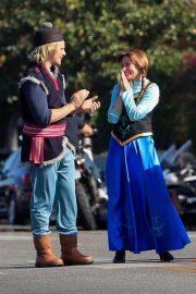 Kristen Bell and James Corden - Perform a 'Frozen' skit in traffic outside CBS Studios